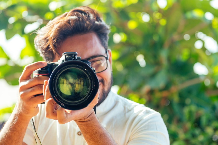 phishing scammers pretending to be a photographer